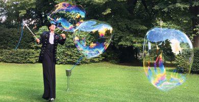 animations bulles en échasses
